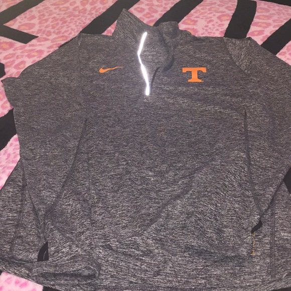 Nike Tops - Tennessee Vols Nike quarter zip dri fit